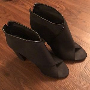 Aldo Black Booties Size 8